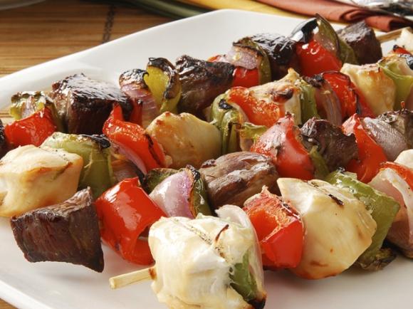 Pinchos de lomito y vegetales
