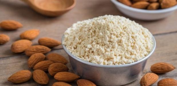 ¿La harina de almendras alimenta más que otras harinas?