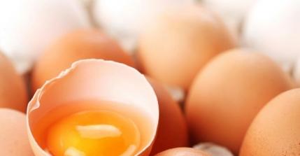 El mito de comer solo clara de huevo