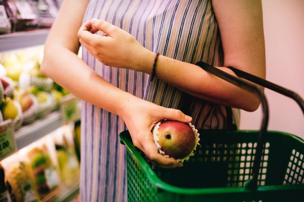 Aprende a cuidar tu presupuesto y tu salud en el supermercado